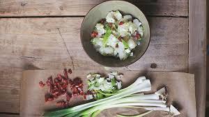cuisiner cru 70 recettes food la food qui l eût cru l express styles