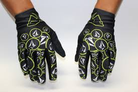 volcom motocross gear product report thor void plus glove transworld motocross