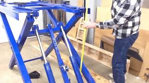 scissor lift table harbor freight harbor freight scissor lift 91315 review wrap up youtube