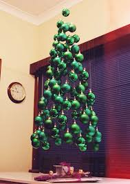 20 of the most creative diy and recycled christmas tree ideas http