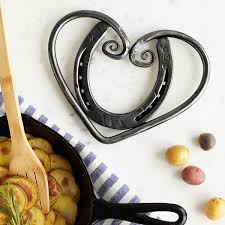 Hearts And Stars Kitchen Collection Horseshoe Heart Trivet Metal Kitchen Art Uncommongoods