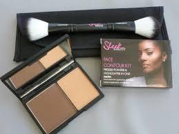 kit in light contour set makeup