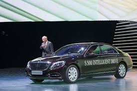 mercedes benz ceo daimler ceo electric cars need range of at least 500 km 310