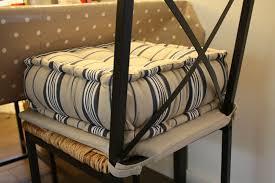 siege rehausseur chaise pose tes fesses et assieds toi correctement monsieur croco
