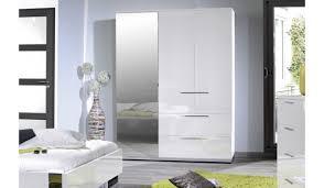 armoire design chambre armoire de chambre design blanc laqué 3 portes 2 tiroirs