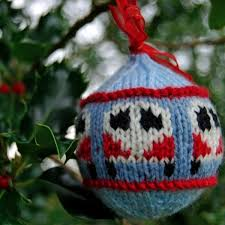11 festive free knitted ornaments