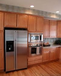 Light Wood Kitchen Cabinets by Traditional Light Wood Kitchen Cabinets 59 Kitchen Design Ideas