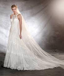 low waisted halter neck wedding dress pronovias osorno 2017
