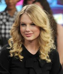 scene haircuts for curly hair taylor swift u0027s hair has really transformed over the years huffpost