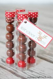 christmas table favors to make christmas party favors learntoride co
