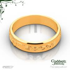 galway ring celtic wedding band in 18 kt yellow gold