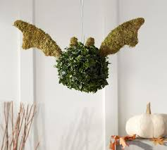 Pre Lit Topiary Halloween Vampire Bat Topiary The Green Head