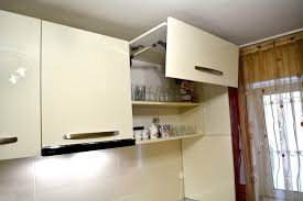 Blum Kitchen Cabinets Mobila Bucatarie Cu Usi Din Mdf Vopsit Ncs S 3560 Y90r Rosu Bordo