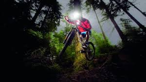 best mountain bike lights 2017 buyer s guide to mountain bike lights everything you need to know