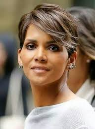 harry berry hairstyle halle berry rocking soft flip h a i r pinterest halle berry
