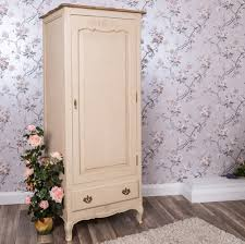 cream shabby chic bedroom furniture complete the feel