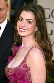 the hairstyle of the devil anne hathaway s ever changing hairstyles from the princess diaries