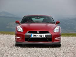 nissan gtr vs the difference 2017 nissan gt r vs 2015 nissan gt r