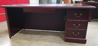 Veneer Desk Quality Used Office Desks In Raleigh Pre Owned Computer Desks
