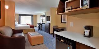 holiday inn express u0026 suites st louis airport hotel by ihg