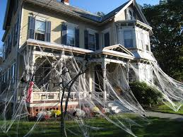 36 outdoor halloween decorations haunted houses channing tatum