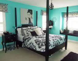 chambre noir et turquoise inspiration chambre bleu canard et noir déco chambre