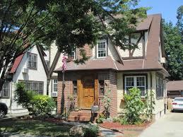 donald trump u0027s childhood home listed on airbnb cbs san francisco