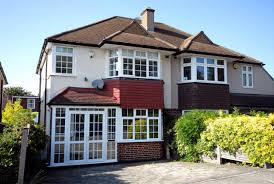 3 Bedroom House by 3 Bedroom House In Bromley