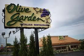 olive garden resurgence drives higher darden profits orlando