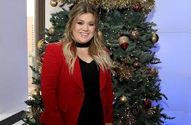 kelly clarkson shares her sweet 16 on siriusxm the blend