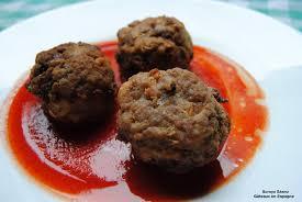 cuisiner boulette de viande gâteaux en espagne boulettes de viande hachée avec de la sauce de