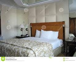 schlafzimmer in dunkellila schlafzimmer in dunkellila emotionslos auf moderne deko ideen