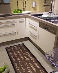 tapis de cuisine lavable en machine carrelage design tapis cuisine moderne design pour carrelage de
