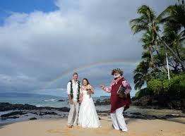 hawaiian weddings ancient hawaiian weddings go hawaii