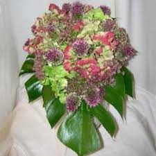 common wedding flowers 10 of the most popular wedding flowers and what you should