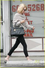 january jones goes to the nail salon photo 2463082 january