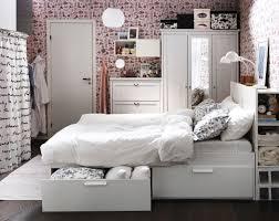 Kleines Schlafzimmer Design Kleine Schlafzimmer Einrichtungsideen Attraktiv Doppelbett Im