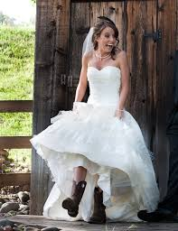cowboy style wedding dresses country wedding at tbs ranch