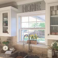 Kitchen Sink Window Ideas Best 25 Kitchen Window Decor Ideas On Pinterest Kitchen Sink
