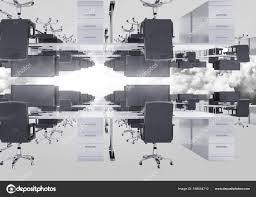 bureau inversé bureau inversé dans les nuages avec flare photographie