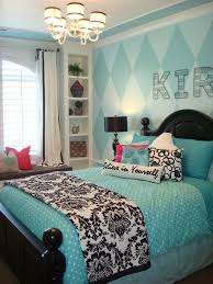 a great idea for a teenage girls room love the black and white