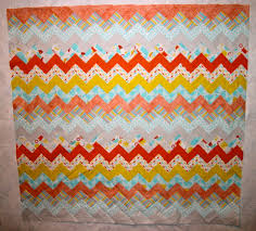 carolyn u0027s chevron quilt u2014free pattern quilty pleasures blog