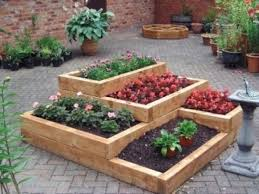 pallet raised garden beds gardening faves pinterest wood