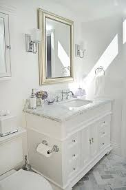 Guest Bathroom Decor Ideas Colors 25 Best Small Guest Bathrooms Ideas On Pinterest Half Bathroom