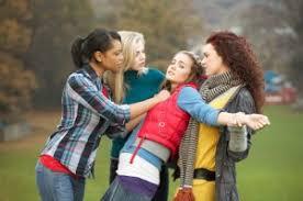 imagenes bullying escolar 7 mitos sobre el bullying escolar cuidado infantil