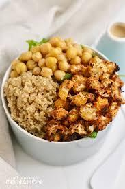 comment cuisiner du quinoa quinoa bowl with roasted cauliflower tahini dressing not enough