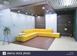 bureaux modernes la réception de l intérieur dans les bureaux modernes du centre d