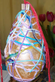 Yarn Chandelier by Crafty Moms Share Spring And Easter Crafts