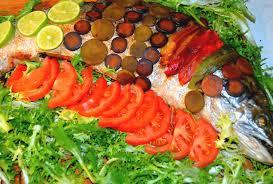 cuisiner un saumon entier cuisiner recetter rapide et facile de saumon entier au four