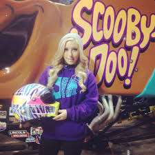 scooby doo monster truck video brianna mahon drives scooby doo to the 2015 rookie of the year